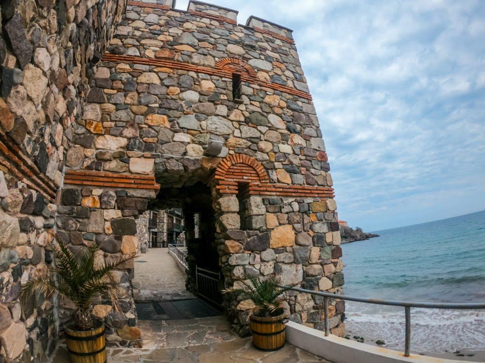 Архитектурно-исторический комплекс - Южная крепостная стена и башня в Созополе 3